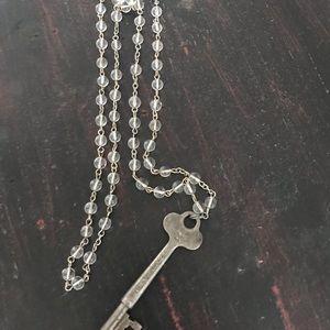 Jewelry - Skeleton Key Glass beaded Necklace